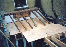 Flat roof base